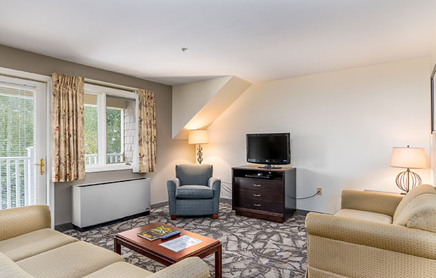 Grand Summit Hotel at Attitash, New Hampshire Two or Three Bedroom Grand Suites